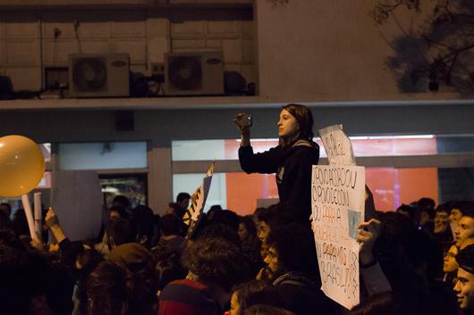 Manifestações em Curitiba. 17/06/2013. Foto por Guto Souza.